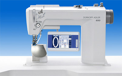DURKOPP ADLER 650-10 OP7000 OPTIMIZED WORK STATION FOR SETTING SLEEVES WITH TOUCH SCREEN
